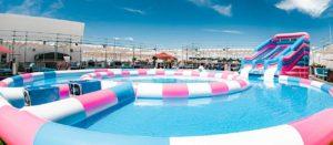 滑り台付き大型プール ダイナソーミュージアム